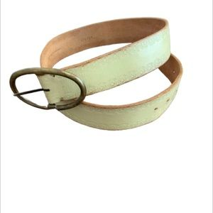 Moda International Vintage Inspired Belt.